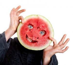 Watermelon is the coolest fruit that you can dig into during the hot summer months, and it is great for your skin as well. It is rich in vitamins and potassium, with high water and fibre content, and is low in calories. Just mix some watermelon juice, and apply that on your cleansed face, with the.